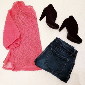 Dusty pink lace blouse with 3/4 sleeves